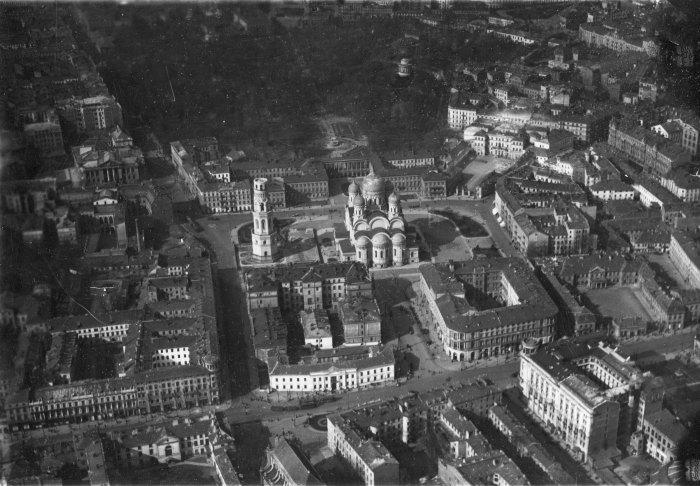 Krakowskie Przedmieście na początku lat dwudziestych XX w