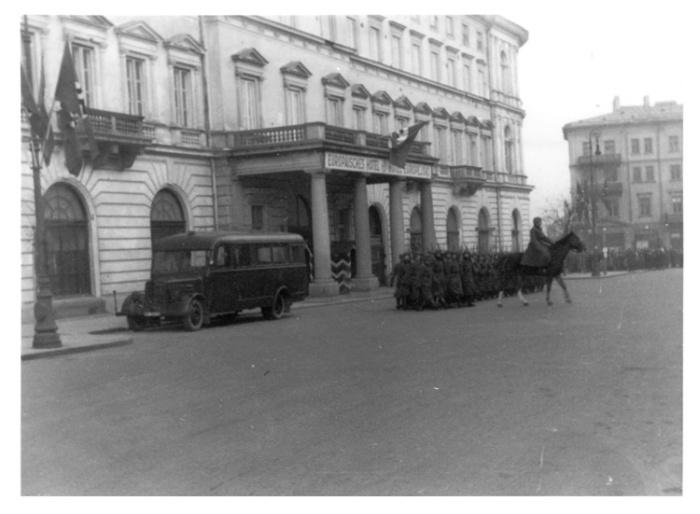 Warsaw 104