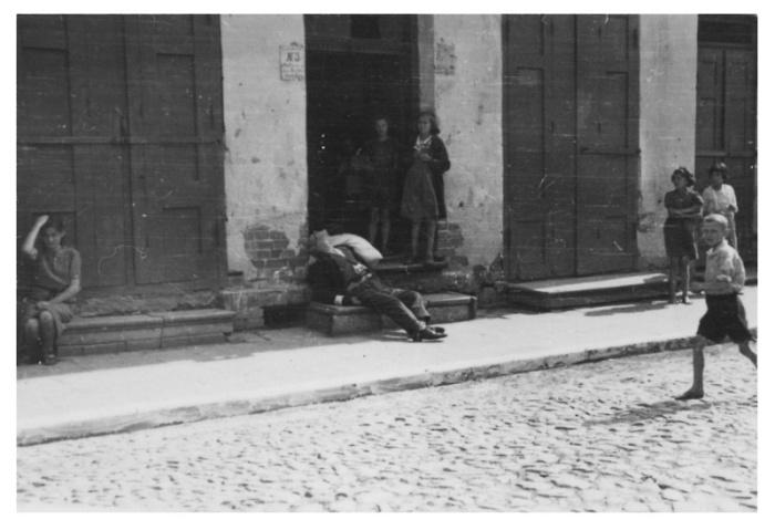 Warsaw_Ghetto_61