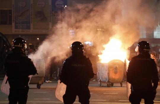 bosnia-police-protest-unemployment-reuters-070214_540_352_100