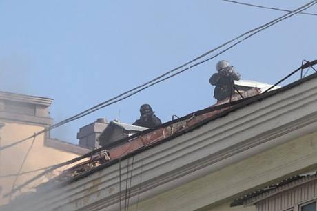 Snajperzy z dachów strzelają do protestujących  Źródło: Pravda.com.ua