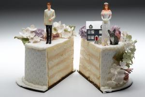 54ebae3521ab3_-_divorce-wedding-cake-xl