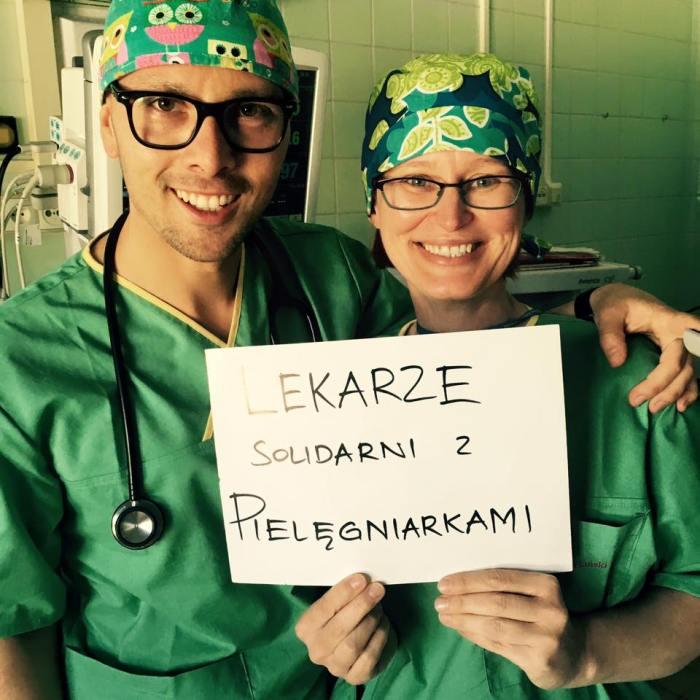 Lekarze solidarni z pielęgniarkami (Szpital Bielański w Warszawie)